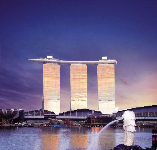 ▲쌍용건설이 2010년 준공한 싱가포르 마리나베이샌즈호텔 전경(사진: 쌍용건설)