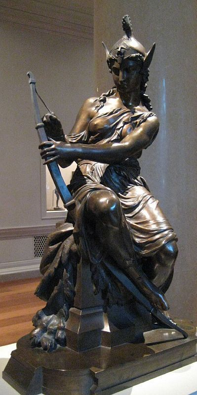 아마조네스는 그리스 신화 속에서 활을 잘 쏘기 위해 오른쪽 유방을 도려냈다거나 불로 지졌다는 이야기로 나오며, 아마존이란 이름 또한 여기서 비롯됐다고 나온다.(사진=위키피디아)