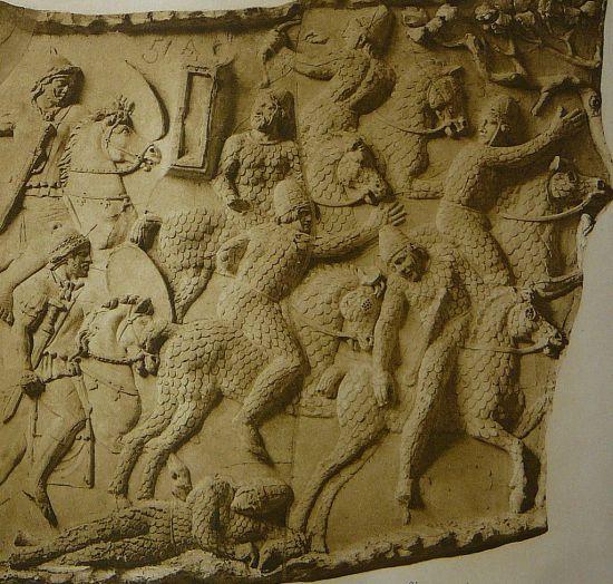 사르마티아 기병대를 묘사한 로마시대 부조 모습. 사르마티아인들은 유목민으로 강력한 기병대를 보유했으며, 여성 전사들의 비율이 상당히 높았던 것으로 알려졌다.(사진=위키피디아)