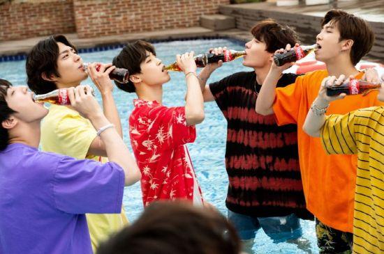 방탄소년단·박보검 '코카콜라' 청량미 가득한 짜릿한 여름 휴가 장면 포착