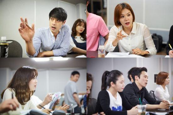 ▲ 연극 '신인류의 백분토론'(연출 민준호) 연습사진   © 사진=공연배달서비스 간다