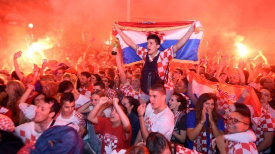 결승 진출이 확정되자 기뻐하는 크로아티아 국민들 [사진=FIFA 공식 블로그]