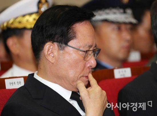 [포토]한미 6·25 전사자 유해 상호봉환 행사 참석한 송영무