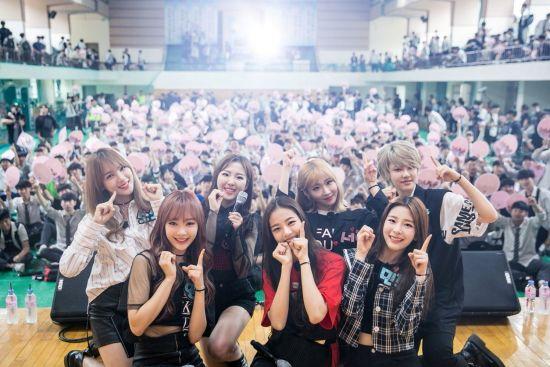 공원소녀 속초고등학교 버스킹 현장(사진: 키위미디어그룹)