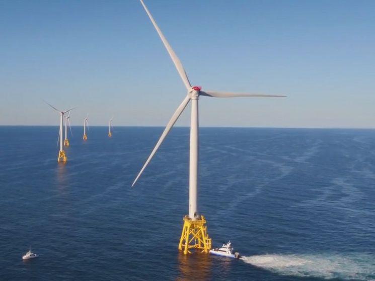 풍력발전기의 날개는 왜 3개일까요. 4~5개라면 발전효율이 더 높지 않을까요. [사진=GE 홈페이지]