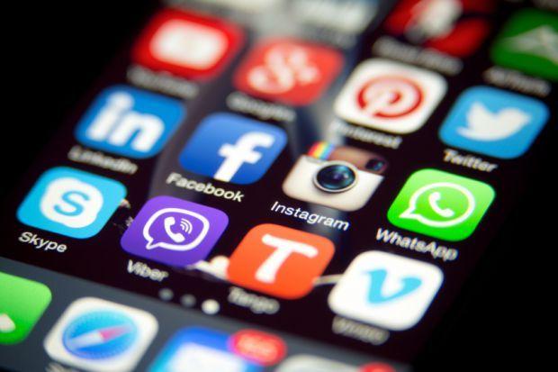 한국인, 스마트폰 앱 6개월 간 평균 2.1개 받는다
