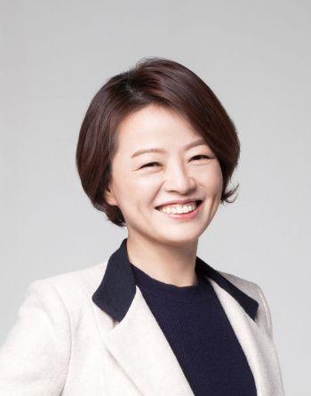 """[文정부 2기 개각] 진선미 """"장관 지명 어깨가 무겁다"""""""