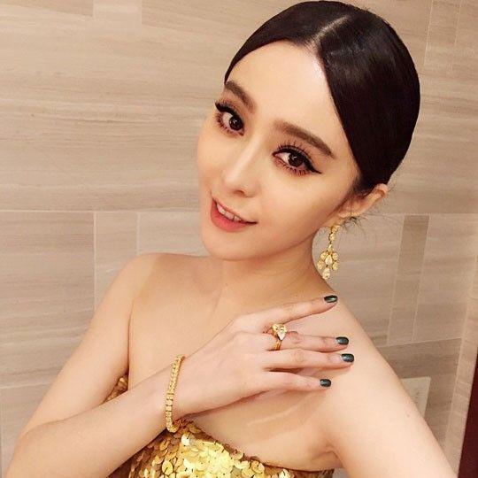 '판빙빙 성관계 동영상' 왕치산 누구?…시진핑의 50년 지기