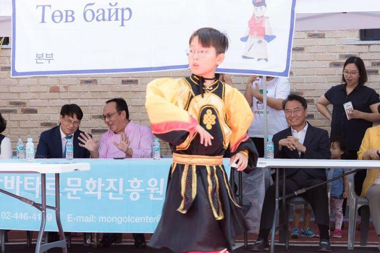 [포토]김선갑 광진구청장 '서울몽골 가족나담축제' 참석