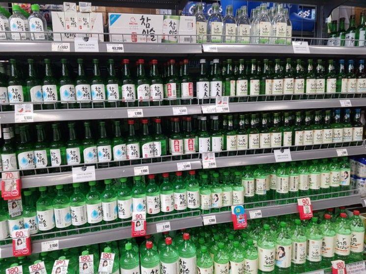 50년만에 뜯어고치는 주류세…소주·맥주값 진짜 안오르나요?(종합)