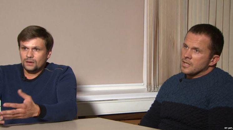 스크리팔 암살 용의자로 지목된 두 사람이 러시아 관영 RT 채널에 출연, 자신들은 솔즈베리 대성당을 구경하러 간 일반인이라고 주장하는 모습. 사진 = RT 화면 캡쳐