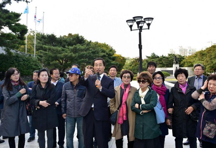 문석진 서대문구청장 마이크 잡고 주민과 '동행'한 사연?
