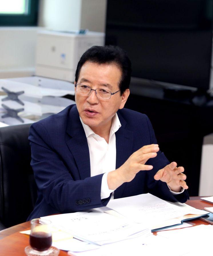 """[인터뷰]정순균 강남구청장 """"강남 재건축 아파트 층고안 제시하겠다"""""""