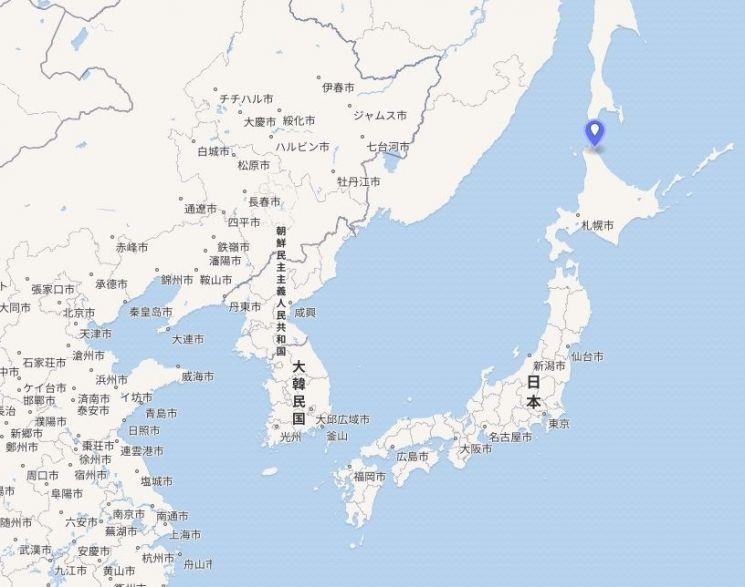 일본령 무인도로 영해 기점 설정의 중요한 무인도 중 하나로 알려진 '에산베하나키타코지마(鼻北小島)'의 위치(파란색 표시 지점). 지난 9월 이후 육지에서 육안으로 확인되지 않고 있어 섬이 가라앉거나 깎여나간 것으로 추정되고 있다.(자료=위키피디아)