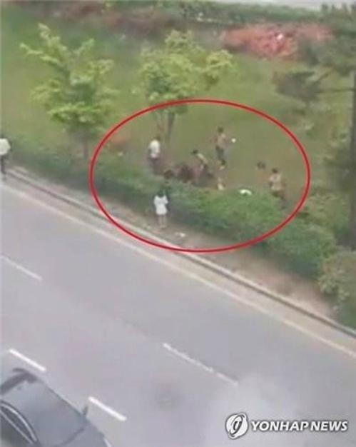 지난 4월30일 광주 광산구 수완동에서 가해자 9명이 택시 탑승문제로 시비가 붙은 피해자와 그 일행을 집단으로 폭행했다/사진=연합뉴스