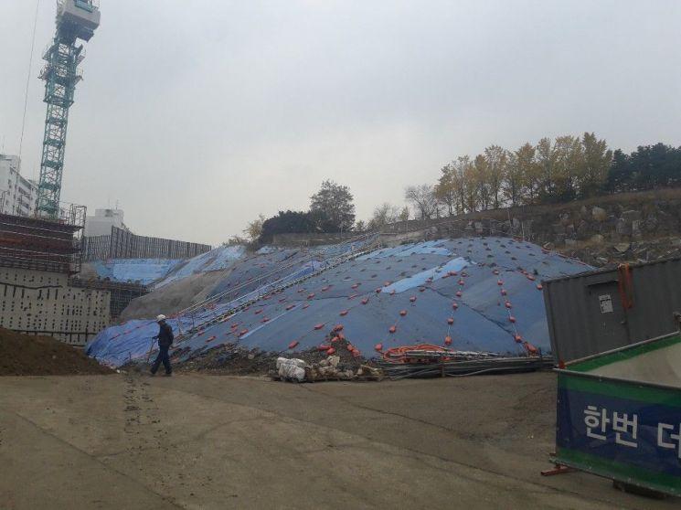 방진덮개를 설치한 공사장 (사진=서울시 제공)