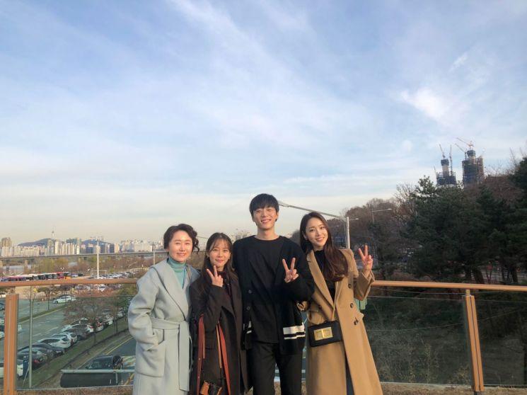 '열두밤' 서은우가 신현수, 한승연과 남다른 동료애를 자랑했다. / 사진=서은우 인스타그램 캡처