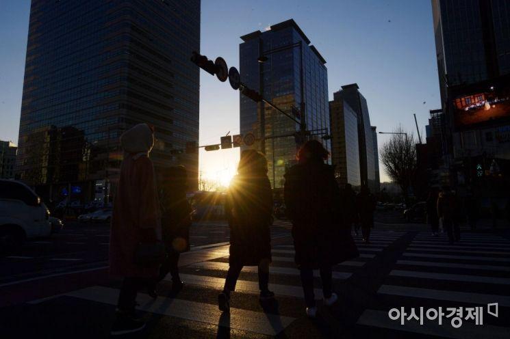 재계 새해 '위기극복' '사회적 가치' '미래 성장' 사활
