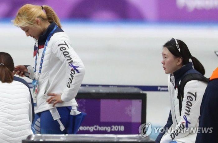 평창동계올림픽 여자 팀추월 대표였던 김보름(왼쪽)과 노선영[이미지출처=연합뉴스]