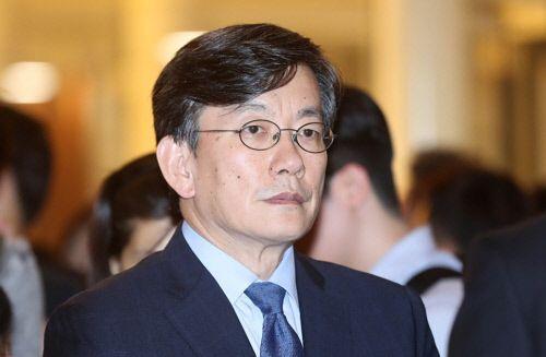 손석희 JTBC 대표이사 경찰 출석…'폭행·배임 의혹' 조사(종합) - 아시아경제