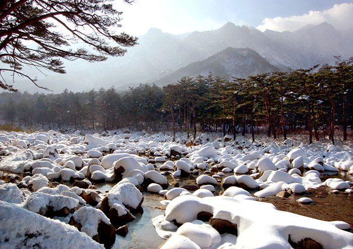 눈 내린 금강산