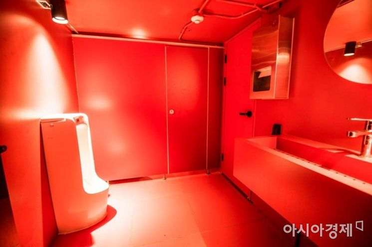 버닝썬 VIP룸 내부 화장실 사진.(사진=독자제공)