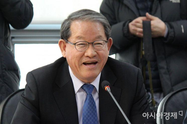 """중견기업연합회 찾은 이낙연 """"중견기업 지원책 보강하겠다"""""""