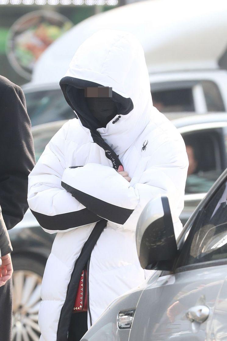 '버닝썬' VIP 마약 공급책 의혹 '애나' 이틀째 경찰 출석…이번엔 추행 고소인 - 아시아경제