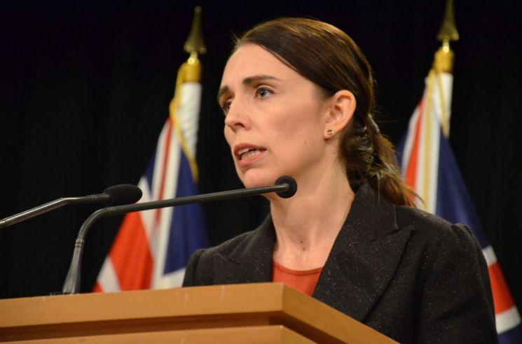 """뉴질랜드 총리 """"테러 용의자, 이름 없는 사람 만들 것…희생자 기억해달라"""""""
