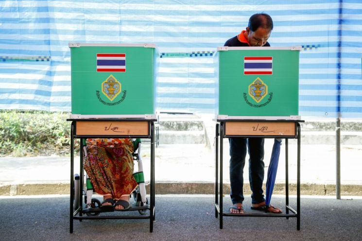 태국 총선 여론조사서 '푸어타이당 1위' 전망