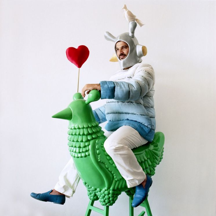 Green Chicken, 2008, Photography, 90 x 2 x 90 cm, Courtesy of the Groninger Museum, NL, Photo by Nienke Klunder