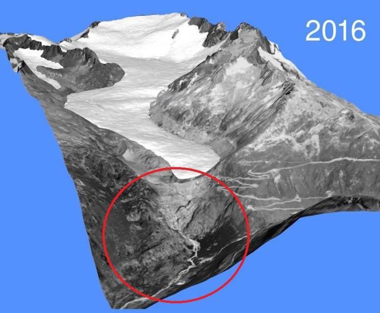 스위스 갈렌슈토크(Galenstock)산 빙하량 감소를 나타낸 그림. 붉은 원으로 표시된 지역의 빙하가 지난 100년간 완전히 사라졌다. 알프스와 코카서스 일대 고산지대 빙하는 매년 1%씩 감소하고 있는 것으로 알려져 금세기 말쯤 대부분 사라질 것으로 우려되고 있다.(자료=세계빙하감시기구 홈페이지/https://wgms.ch)