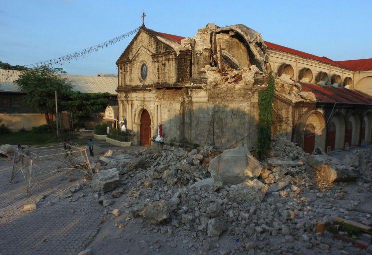 필리핀 지진 사망자 11명으로 늘어…중부에 또 지진