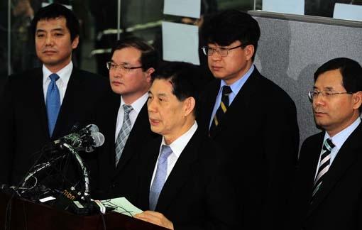 2008년 2월21일 정호영 당시 특별검사가 최종 수사 결과를 발표하고 있다. (사진=아시아경제DB)