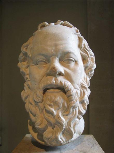 소크라테스 석상(사진=위키피디아)