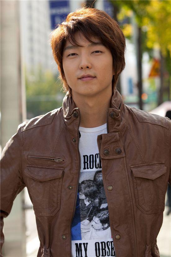 """Korean actor Lee Jun-ki in TV series """"Hero"""" [MBC]"""