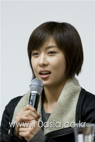 """Actress Ha Ji-won speaks at a press conference for SBS TV series """"Secret Garden"""" held at the Maiim Vision Village in the Gyeonggi Province of South Korea on December 8, 2010. [Lee Jin-hyuk/10Asia]"""