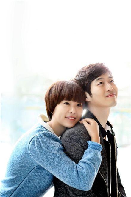 Korean actress Hwang Jung-eum (left) and actor Kim Jae-won (right) [MBC]