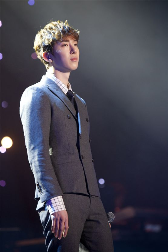 """Jo Kwon performs during their Seoul concert of 2AM's first Asian tour """"The Way of Love,"""" held at the Olympic Hall in Seoul, Korea on November 24 and 25, 2012. [CJ E&M]"""