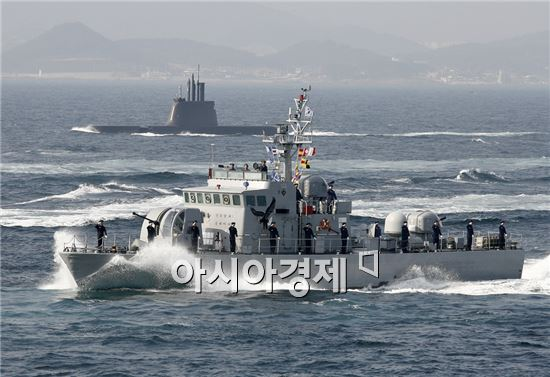 <h1>최첨단 해상무기<8>윤영하급 유도탄 고속함(Yun Youngha Class Patrol Killer, Guided Missile)</h1>