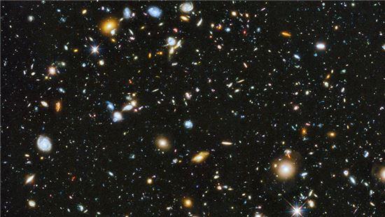 허블 울트라 딥 필드. 사진 제공 = NASA