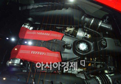 [포토]페라리의 새로운 3,902cc V8 터보 엔진