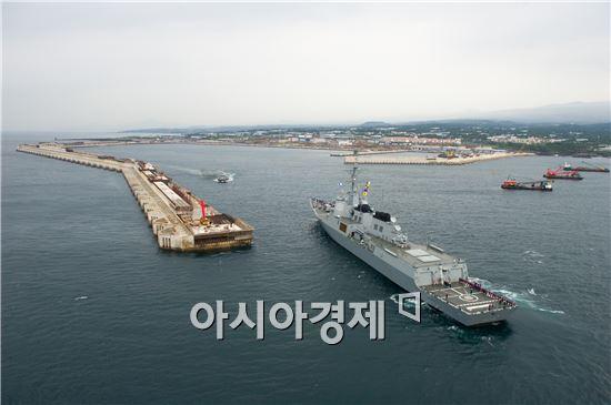 제주해군기지는 현재 공정률이 89%(항만 93%, 육상 79%)로, 정상적으로 건설이 진행중이며 올해 말 완공될 예정이다. <사진제공=해군>