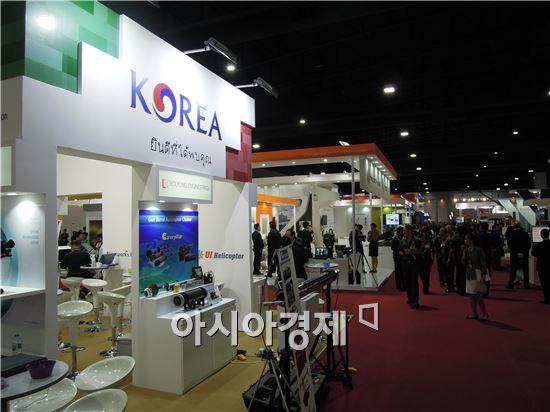 국내 방산기업은 태국 방산시장의 선점을 위해 22개사가 참가해 역대 최다 참가수를 기록했다.