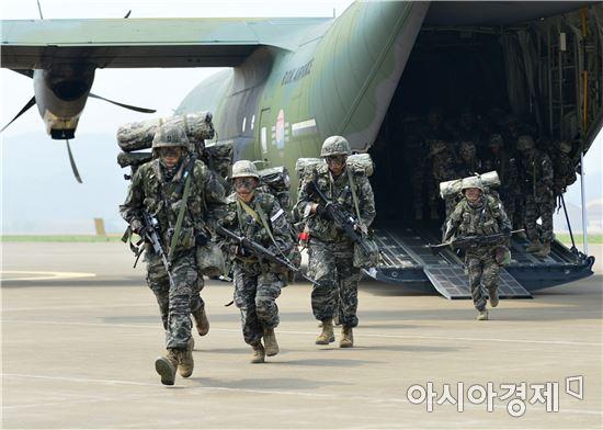 신속기동부대는 이달 5∼11일 서해안 지역으로 전개하는 훈련을 진행중이다. (사진제공=해병대)