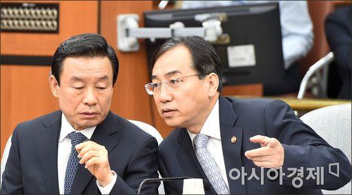 """당정 """"서문시장, 특별재난지역 검토…범정부 지원·예산 반영도"""""""