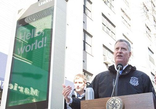 뉴욕의 낡은 공중전화 부스를 최첨단 와이파이 부스로 교체하는 '뉴욕시 와이파이 부스설치' 프로젝트 는 '시티브릿지' 컨소시엄이 뉴욕시로부터 낙찰받아 지난해 12월 30일부터 본격적인 '링크' 설치에 들어갔다.