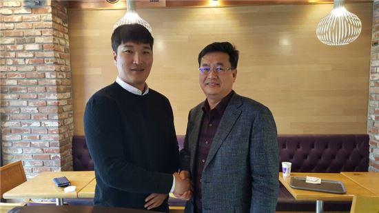 kt위즈, 이진영과 2년 총액 15억원에 FA 계약