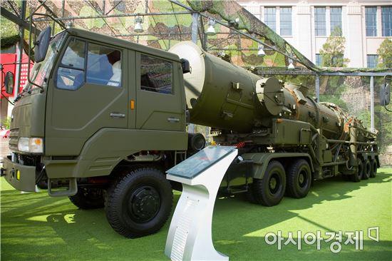 중국의 둥펑-21D 의 이동식발사대