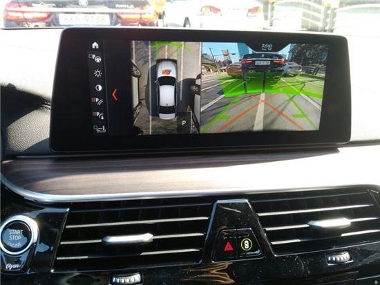 BMW 뉴5시리즈 디스플레이 모습